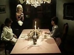 Vintage maid blows spunk-pumps under the table
