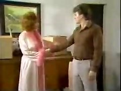OLD-SCHOOL AUNT STIFF SEX ON BED