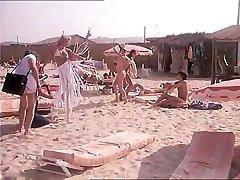 Dans la Chaleur de St Tropez (1981) with Marylin Jess