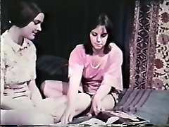 Lesbian Peepshow Loops 641 60's and 70's - Scene 8