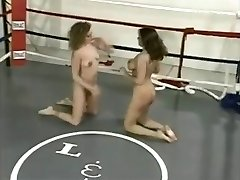 Nude Ring Wrestling (2)