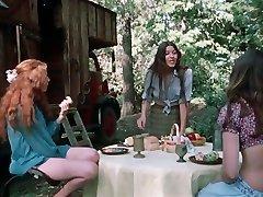 Lil Sisters (1972)