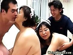 Dziwne azjatyckie babci źle się zachowujesz