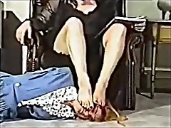 Vintage Foot Female-dominant