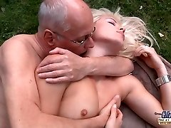 Lucky old decrepit is dogging his kinky hot prosperous young bitch