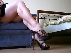 Showing of sumptuous legs and soles