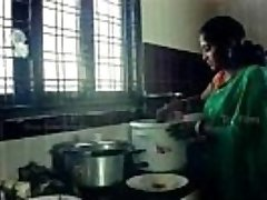 Tamil Aunty Enticed and got naked by beger super-hot romance - Bhauja.com