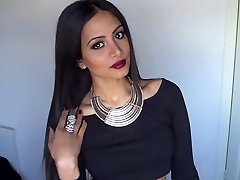 Valentine's Day Uber-sexy Glam Make-up & Outfit