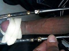 pecker device