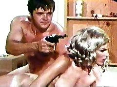 SNATCHED WOMEN (Dyanne Thorne) Vintage Full Cult Vid