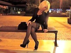 Suitsetamine blond promenading