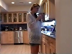 Mummy in the Kitchen (smoking fetish  roleplay, erotic)