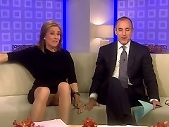 Meredith Vieira Upskirt On The TODAY Flash
