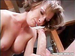 Saskia Gargles A Hard Weenie