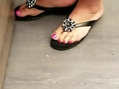 Beautiful pink milf toes and feet