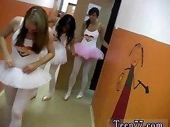 Didelis minkštas krūtis Karšto baleto gal orgija