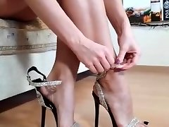 Perfect Milf feet from IG heels toes leans