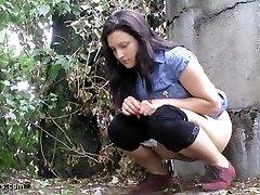 urinating in nature 10065