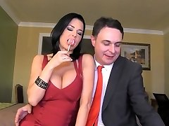 Dumping: Veronica Avluv ejaculates in the mouth of Andrea Dipre