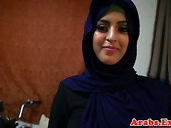 Arab hijabi fucked in forbidden cock-squeezing vulva