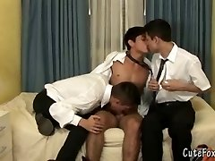 Two boys crew up to deepthroat a foxy twink