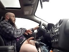 Driving and Masturbating my Manmeat