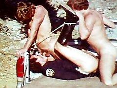 VintageGayLoops Video: Busted
