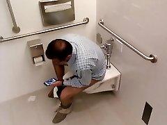 Str8 spy egghead daddy in public toilet