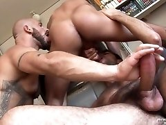 Damian Manager, Aitor Crash, and Dominic Pacific