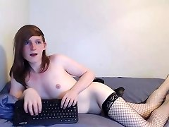 Trans Girl Fucks Her Rump With Dildo
