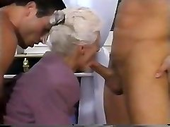 Two MEN AND A DOUBLE PENETRATION FOR GRANNY