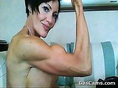 Musculaire, De La Femme Mature À La Flexion