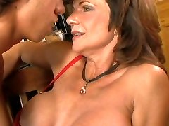 Utterly active milf slut Deauxma bangs skinny guy