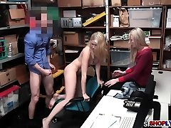 Shoplifter Sierra Nicole humped in front of her mom
