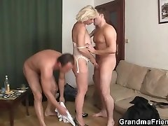 Torrid 3some fucking with elderly bitch