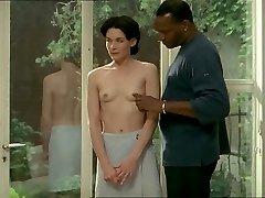 Brunete balta sieviete ar melnu mīļāko - Erotiska Starprasu