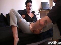 Mėgėjų žmona monstras pūlingas kumščiu orgazmą