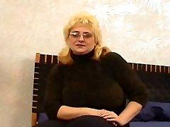 कास्टिंग इरीना (42 साल पुराना)