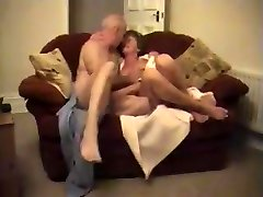 Amateur Wife Grandmothers Couple Fucking - LostFucker