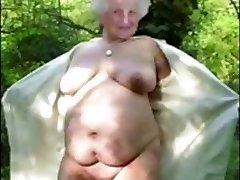 बदसूरत दादी Preverse लड़की थी