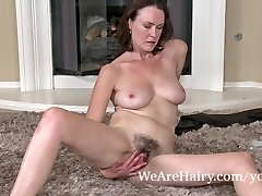 Hairy woman Veronica Snow relieves after working