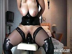 Mature cougar fucking gigantic dildos