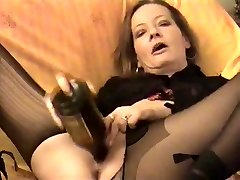 Amateur - horny Mature twin bottles her pussy & Backside