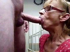 Mormor hungrig för Cum