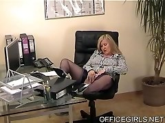 Round Secretary In Blue Silk Tights