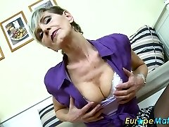 EuropeMaturE Sexy Abuela Ivana Solo Digitación