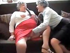 Šilčiausias Naminis video su Grannies, Dideli Papai scenos