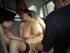 סבתא המכונית כיף