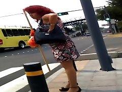 Rika maduritaa en la calle