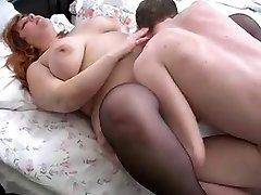 redhead bbw mama ir jos sūnus lova